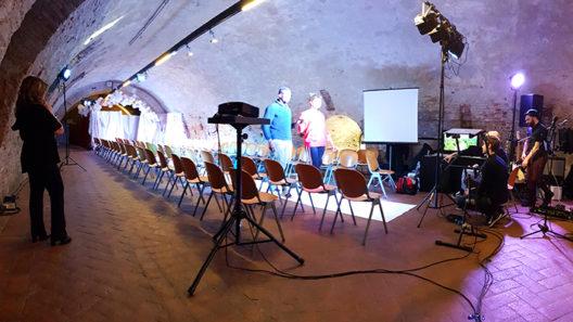 Sfilata presso il Castello Estense di Ferrara dedicata agli sposi