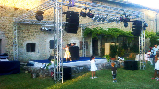 Allestimento audio e luci, americana, line array