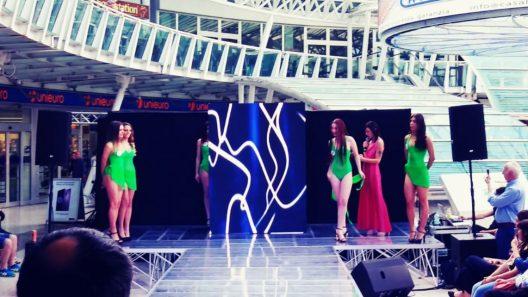 Miss Italia Bologna con palco in plexiglass ledwall e shure